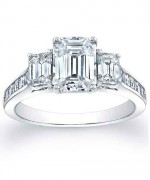 New Designs Of Emerald Cut Engagement Rings 2015 006