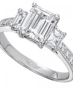 New Designs Of Emerald Cut Engagement Rings 2015 007