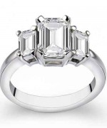 New Designs Of Emerald Cut Engagement Rings 2015 008