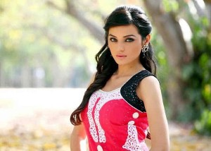 Sadia Khan Is Making A Debut In Bollywood Industry