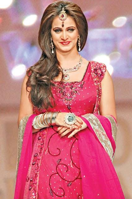 Pakistani Actress Noor