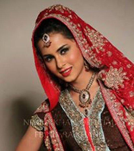 Pakistani New Actress Nimra Khan 001
