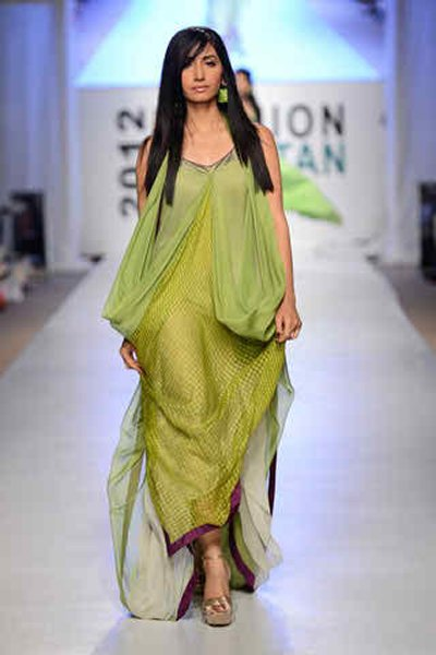 Top 10 Hottest Female Models 2015 In Pakistan004