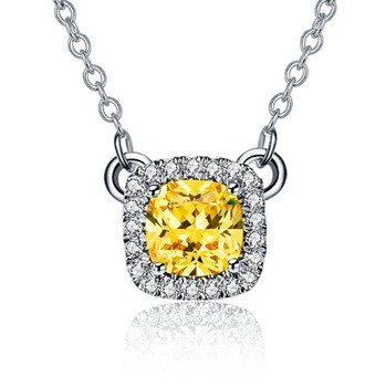 Golden Jewelry Look Fashionable