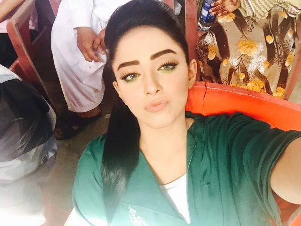 Pakistani New Actress Sanam Chaudhry Profile And Pictures0010