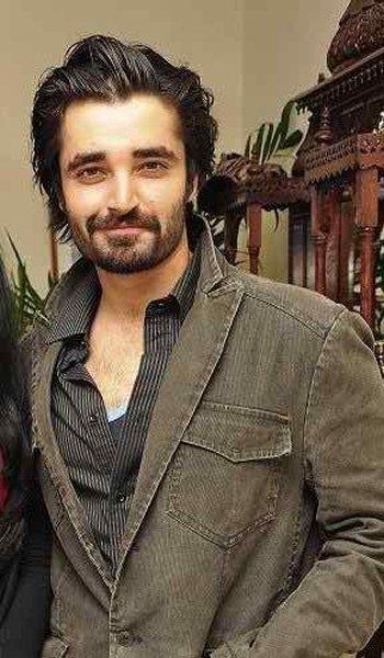 Top 5 Handsome Bachelors In Pakistani Showbiz Industry003