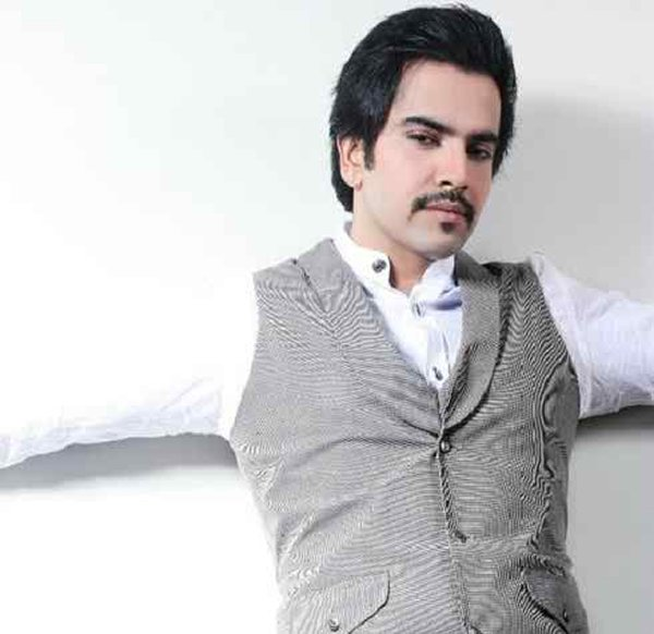 Which Pakistani Actors Rock On TV Screens With Moustaches006