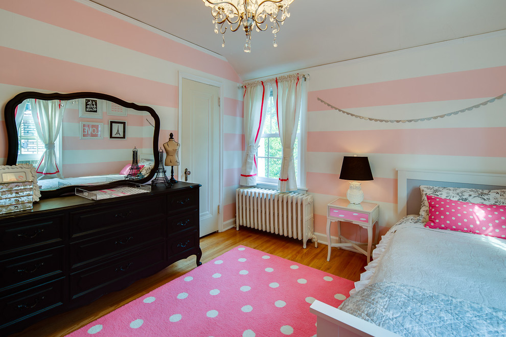 Bedroom paint for romantic couples 4