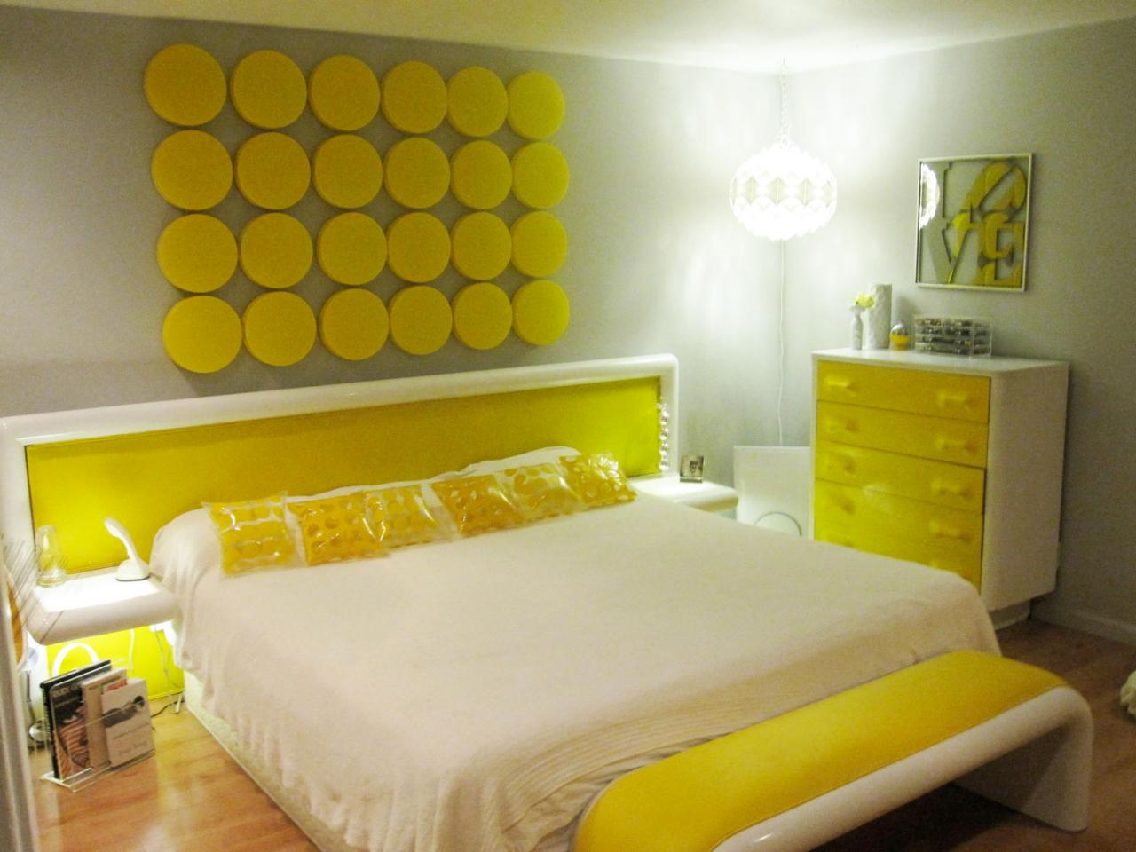 Bedroom paint for romantic couples 5