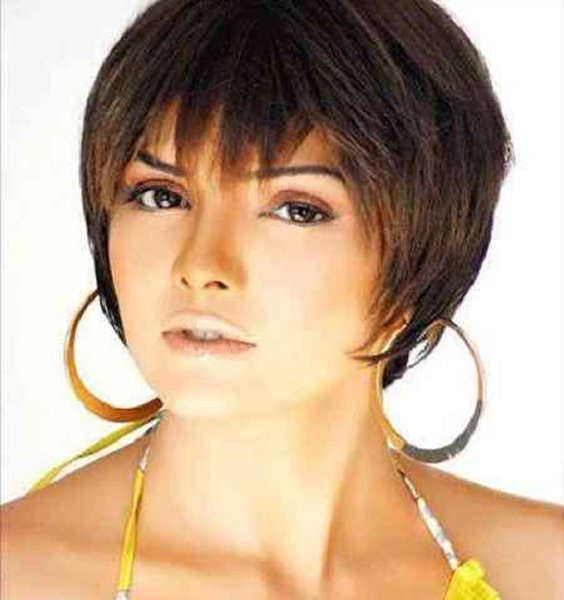 Which Pakistani Female Celebrities Rock With Boy Haircut004