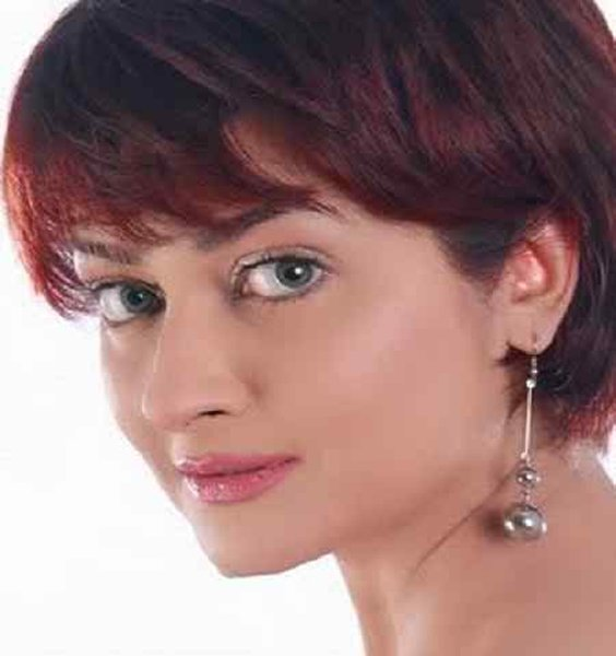 Which Pakistani Female Celebrities Rock With Boy Haircut008