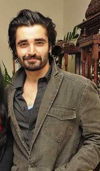 Why Pakistani Stars Are Better Educated Than Bollywood Stars0010