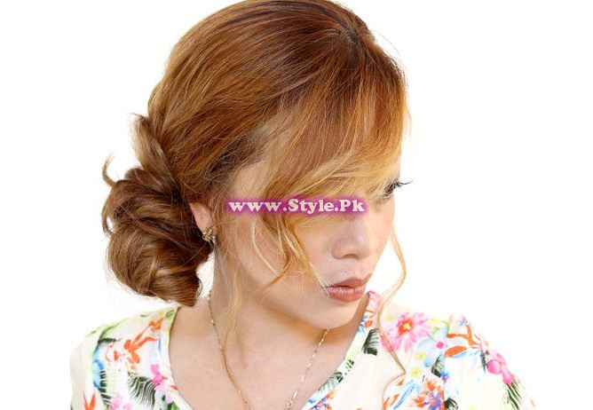 See How to make a side bun of your hairs