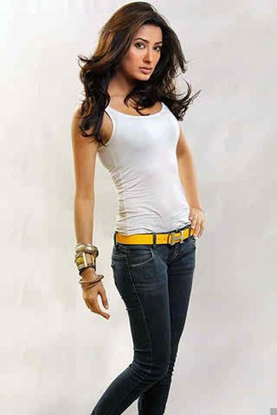 Pakistani Actresses And Their Height001