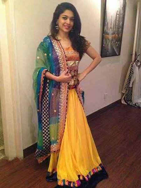 Pakistani Actresses And Their Height005
