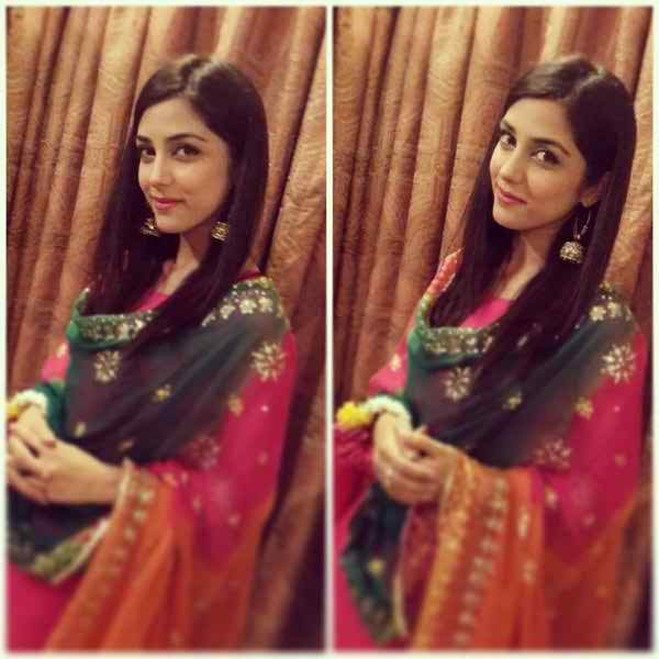 Pakistani Actresses And Their Height007