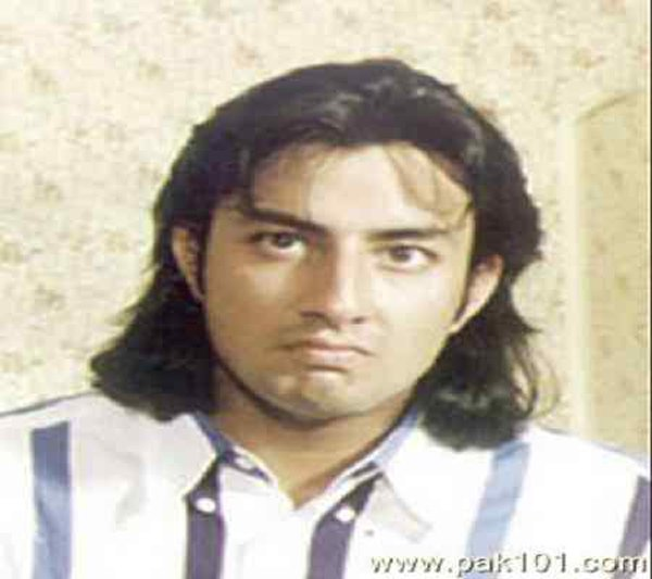 Pakistani Celebrities And Their Worst Hairstyles005
