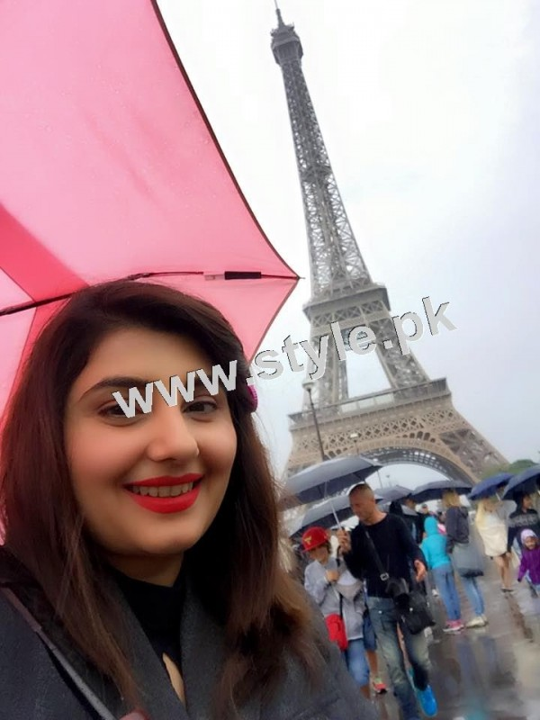 Pictures of Javeria and Saud with Family in Paris 10