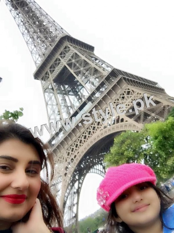 Pictures of Javeria and Saud with Family in Paris 14