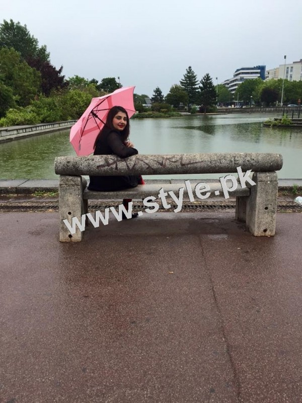Pictures of Javeria and Saud with Family in Paris 19