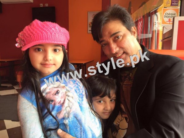 Pictures of Javeria and Saud with Family in Paris 21