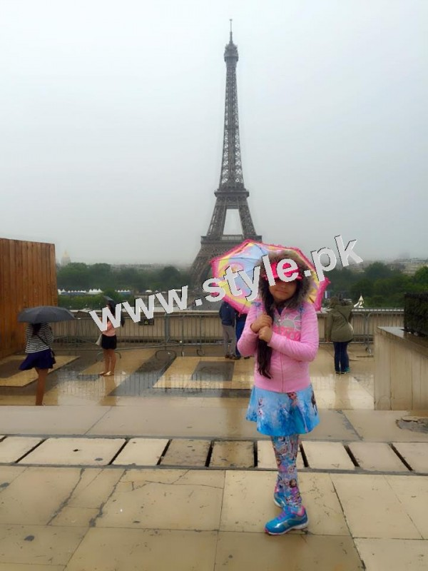 Pictures of Javeria and Saud with Family in Paris 9