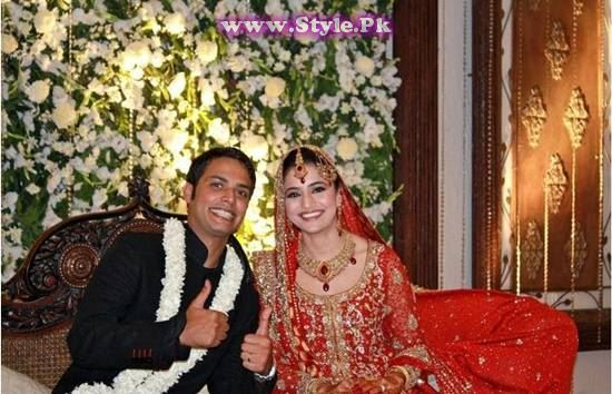 Top 8 Pakistani Celebrities who wore red color on their wedding day (6)