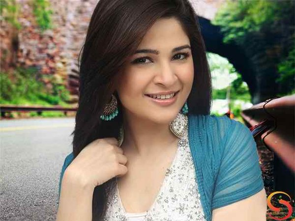 Which Pakistani Celebrities Are Popular On Instagram07