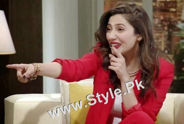 13 Pictures in which Mahira Khan is Smiling High  (10)