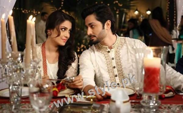 Ayeza Khan and Danish Taimoor's 1st Wedding Anniversary (8)