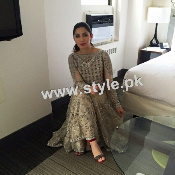 Dressing of Pakistani Celebrities during promotion of theri movies (3)