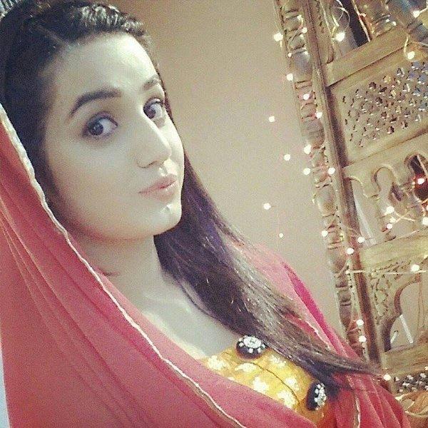 Pakistani Actress Anum Fayyaz Profile And Pictures008