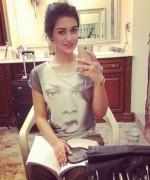Pakistani Actress Sarah Khan Profile And Pictures0013