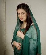 Pakistani Actress Sidra Batool Profile And Pictures003