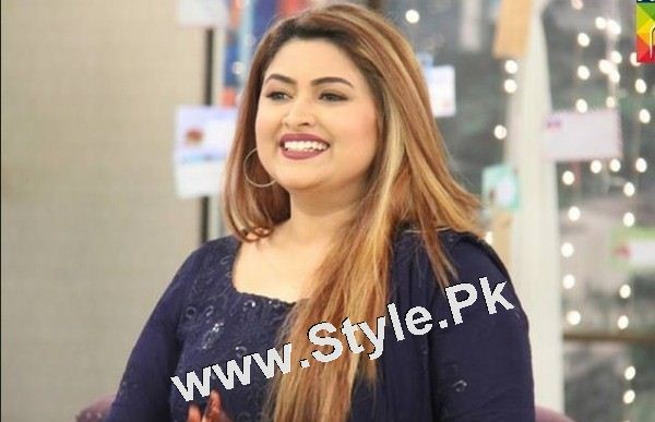 Pakistani Celebrities who are always criticized by people (2)
