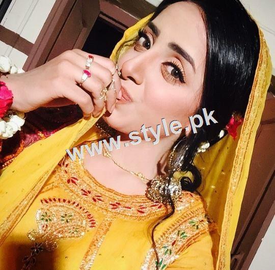 Pakistani Celebrities who look stunning in yellow 4