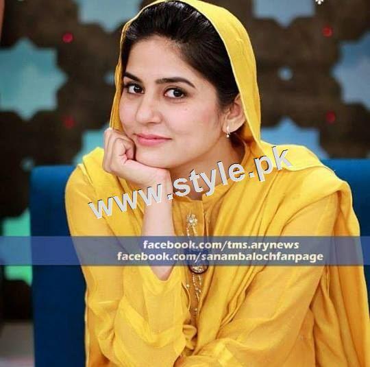 Pakistani Celebrities who look stunning in yellow 6
