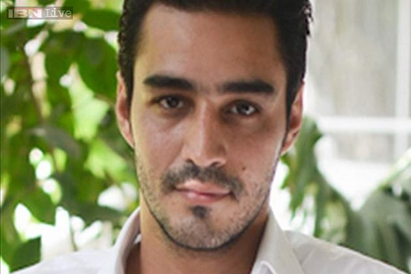 Pakistani New Actor Sikander Rizvi Profile And Pictures008