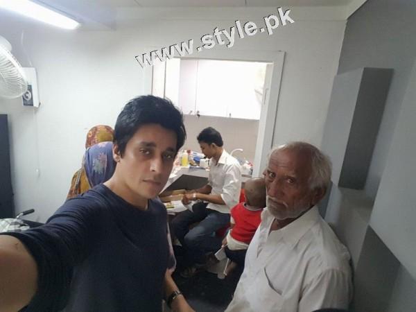 See Sahir Lodhi took selfies in hospital