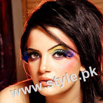 See Unsual looks of famous Pakistani Celebrities