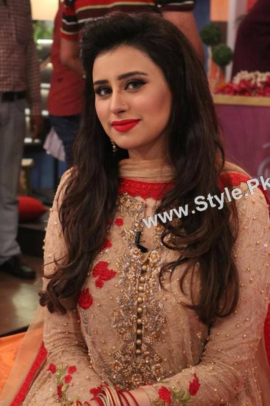 Best dressed Morning show hosts on Eid ul Adha 2015 (3)