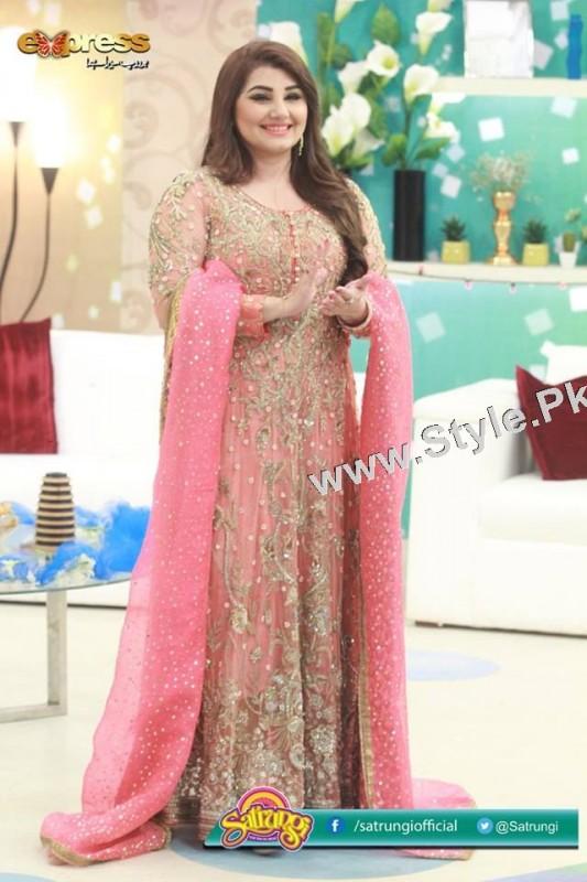 Best dressed Morning show hosts on Eid ul Adha 2015 (6)