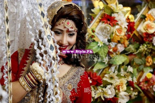 Complete Wedding Photo shoot of Actress Pari Hashmi (6)