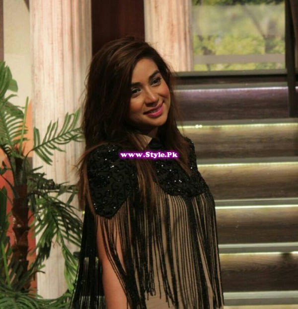 See Komal Rizvi insulted Geo Kahani's morning show