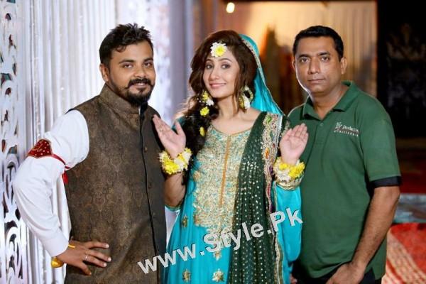 Mehndi Pictures of Actress Pari Hashmi (2)