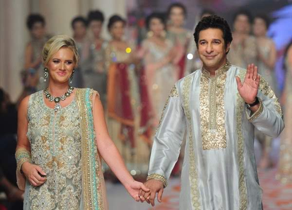 Which Pakistani Celebrity Couples Are Famous As Power Couples0010