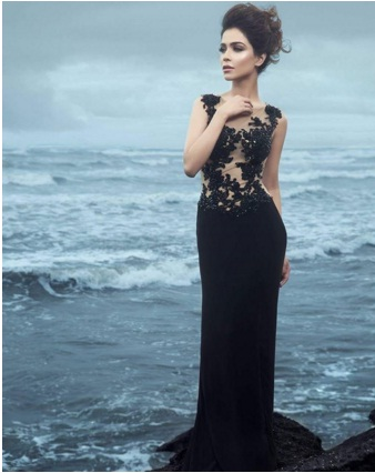 Humaima Malik hot fashion