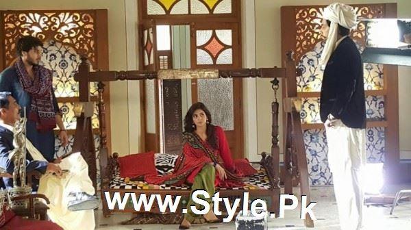 Pictures of Ahsan Khan and Saba Qamar on the set of Muhabbat ki Akhri Kahan (7)