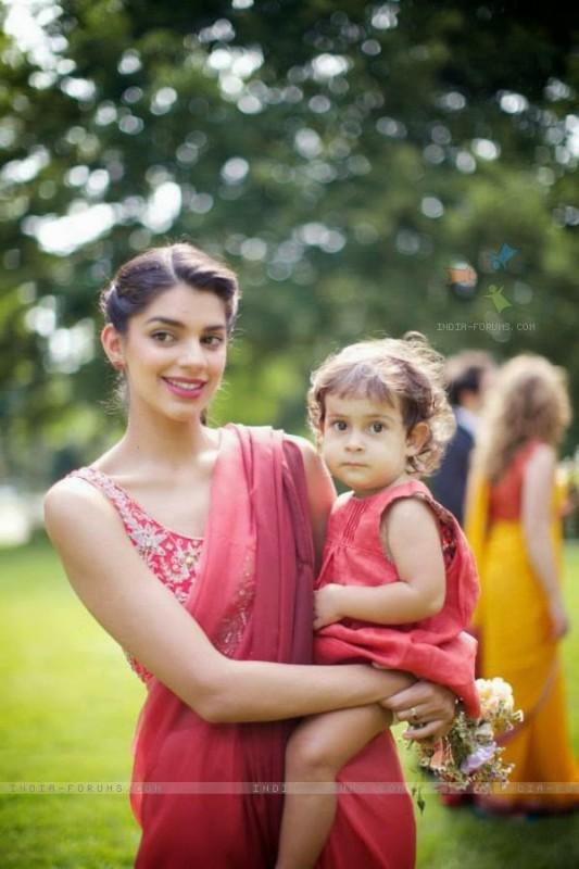 actress sanam saeed