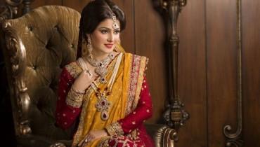 See Ayeza Khan's photoshoot for Afzal Jewellers